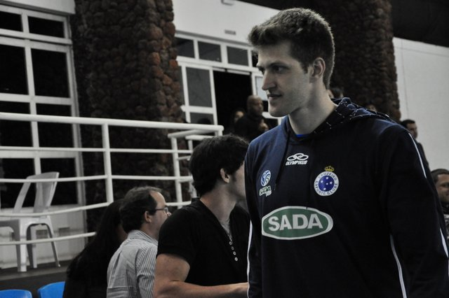 """Paredão: ainda em adaptação, reforço Éder """"fechou a porta"""" da UFJF na partida. (Foto: Renato Gomes)."""