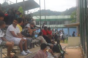 Torcida no Cerâmica apoiando time Mirim do Sport