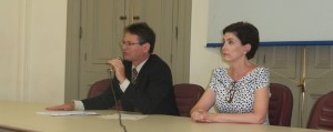 Advogados José Rufino Jr. e Ilva Lasmar durante coletiva de imprensa
