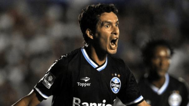 Riveros fez o primeiro gol do Grêmio na Libertadores (Foto: AP Photo)