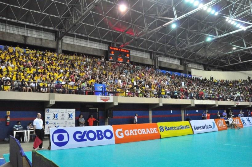 Castelinho lotado para um jogo do Maranhão Vôlei