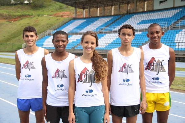 Cinco dos seis que irão para o Brasileiro, da esquerda para direita: Jhonathan Nicolau; Neemias Alves, Maria Eduardo Olimpo, Adan Arroio e Robison Gomes