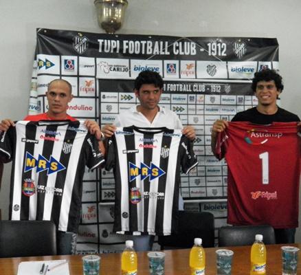 Maranhão (esquerda), Bruno Barros e Rodrigo são apresentados oficialmente
