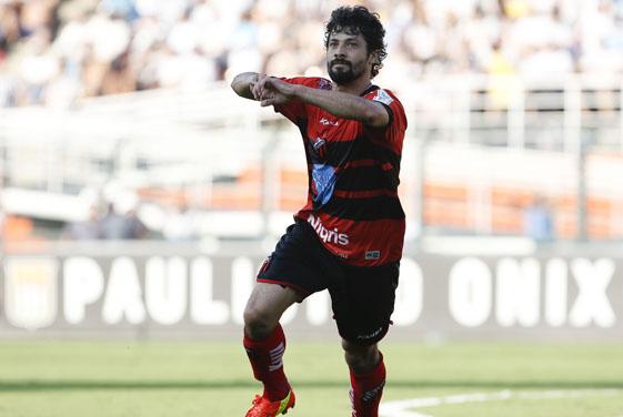 Autor do gol do Ituano: Cristian, 34 anos, 1,69m de altura e passagens por Guarani, Juventus, Palmeiras, Coritiba, Náutico, Fortaleza, Bragantino e pelo menos mais dez clubes