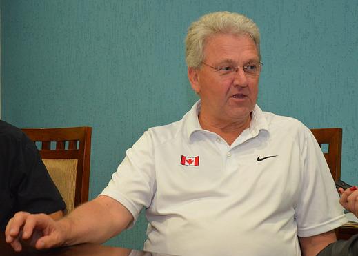 Técnico das equipes de atletismo do Canadá, Peter Eriksson, visitou a UFJF (Foto: Twin Alvarenga/ UFJF)