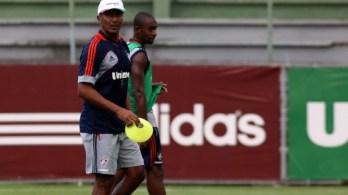Novidade, zagueiro Wellington Carvalho está confiante para enfrentar o Tupi