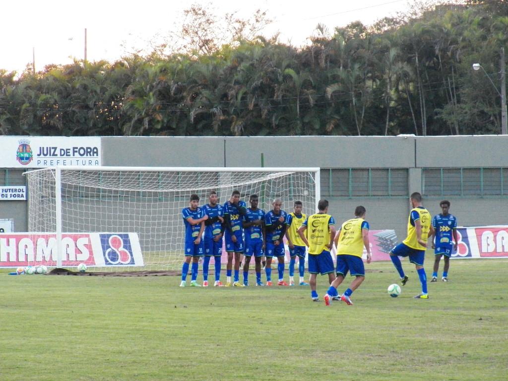 Carijó também treinou bolas paradas e finalizações durante a semana