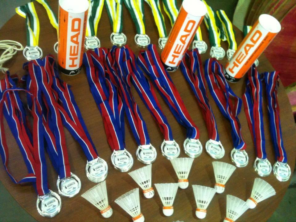 Badminton 1473839_411952745597839_726933397_n
