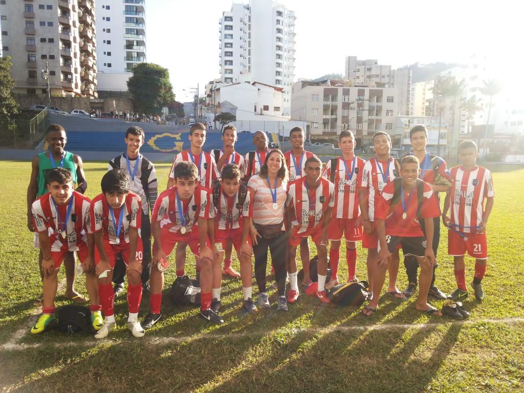 Escola Estadual Almirante Barroso, medalha de prata no juvenil