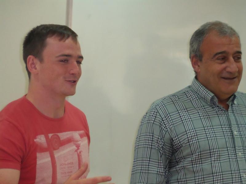 O inglês Connor Fleming, treinador de rugby da Premiership Rugby, ao lado do Professor José Antônio Bara Miguel (o inglês é convidado do Sesi para difundir o rugby em Juiz de Fora)