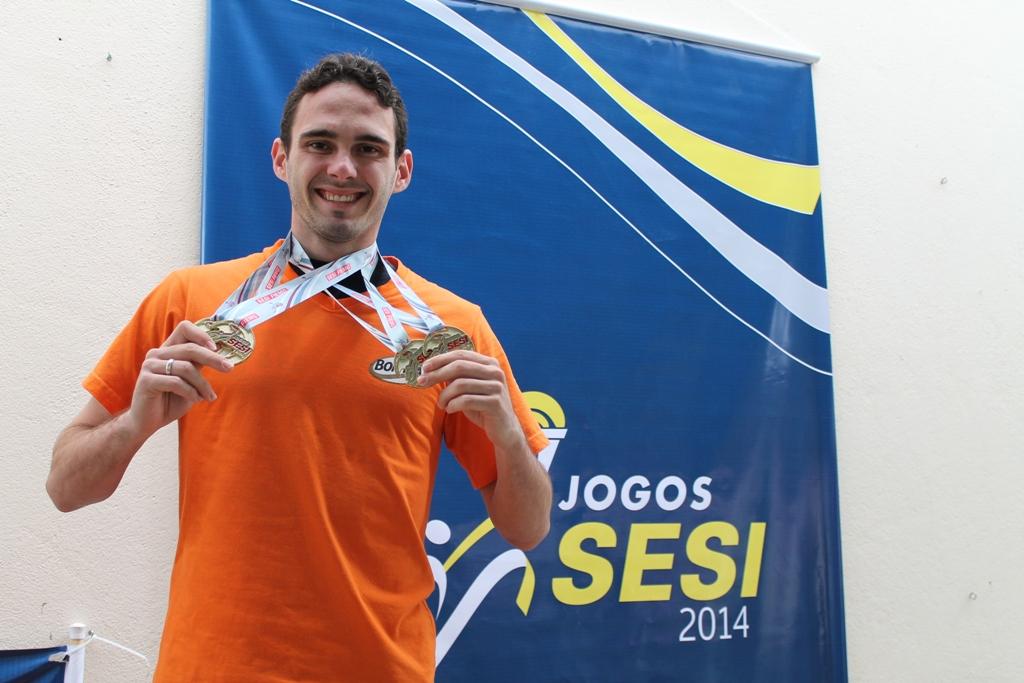 Jefferson Luiz Britto - destaque masculino categoria absoluto (a partir de 16 anos) com 4 Vitórias e 3 Recordes quebrados