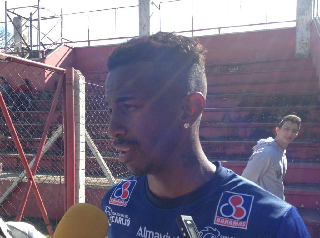 Warley Oliveira deve fazer sua primeira partida como titular do Tupi