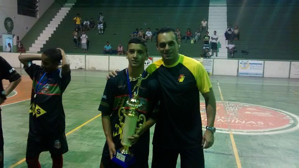 Iago Victor Oliveira, capitão de Matias Barbosa, campeão sub-15