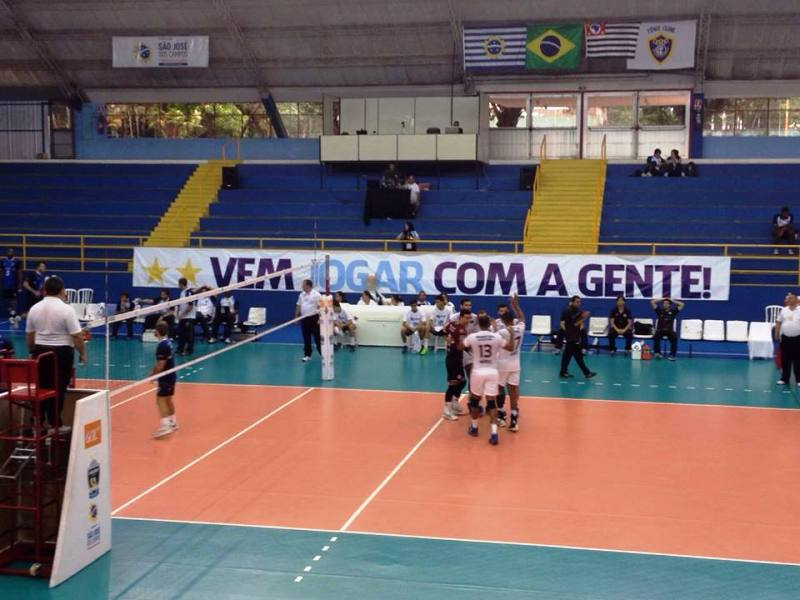 Vôlei UFJF segue firme na briga por vaga nos playoffs da Superliga