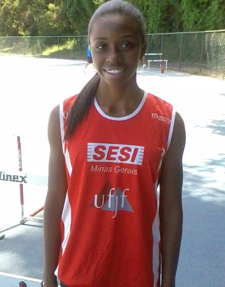 Exemplo: Camila Alves é destaque nos estudos e no atletismo