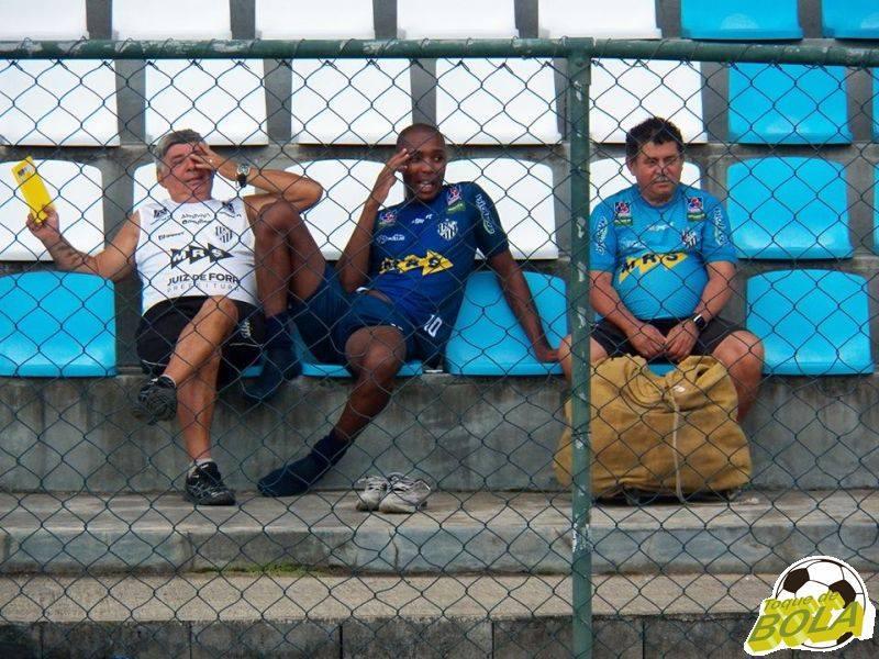 De fora do Mineiro, Silvio apenas acompanhou a atividade das arquibancadas do campo da UFJF