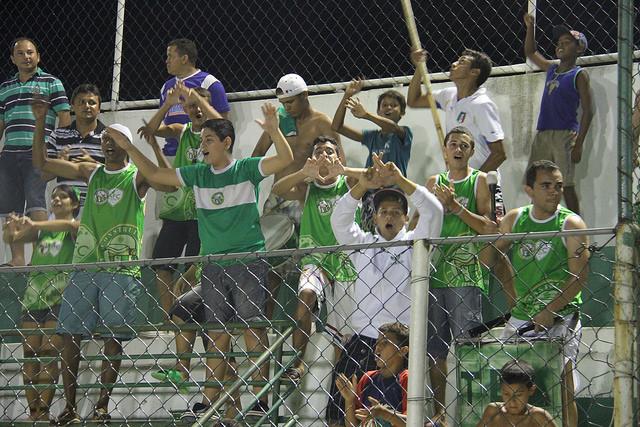 Mesmo atuando em estádio diferente, torcedor acompanha o Verdão. (Foto: Canindé Pereira - Site oficial)