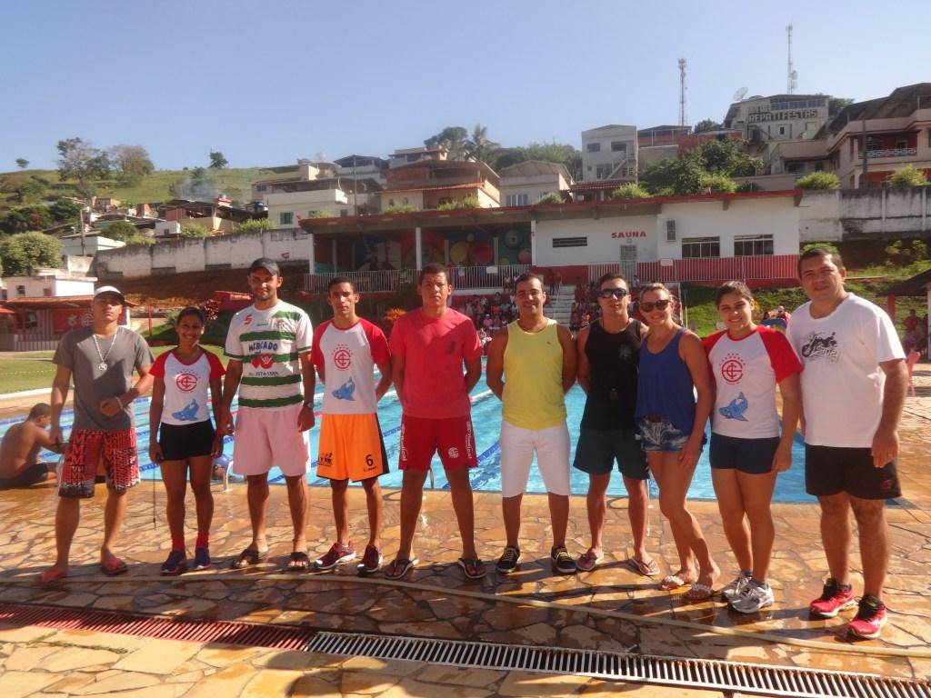 Organizadores e colaborados do Torneio Regional de Natação (Foto: Site Oficial Itararé)