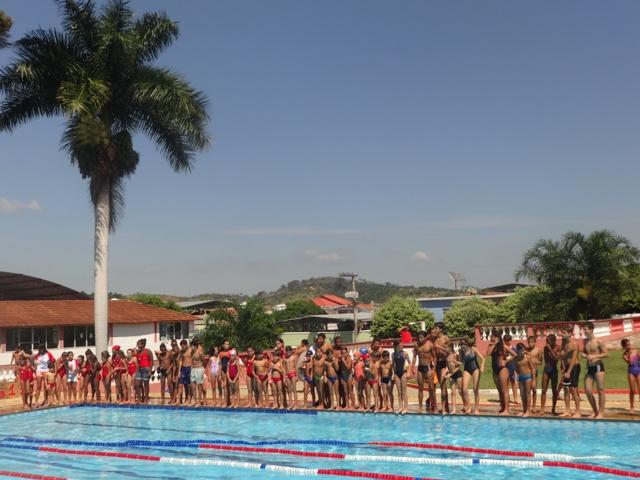 80 atletas participaram do Torneio Regional de NAtação (Foto: Site oficial E.C. Itararé)