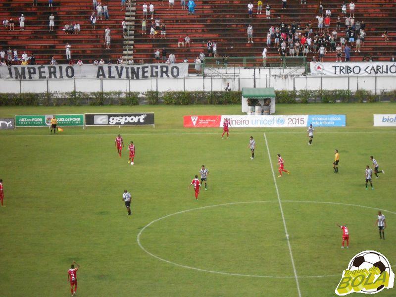 Registro do Toque de Bola em Tupi x Tombense no Estádio Municipal Radialista Mário Helênio, em 8 de fevereiro de 2015, pelo Campeonato Mineiro