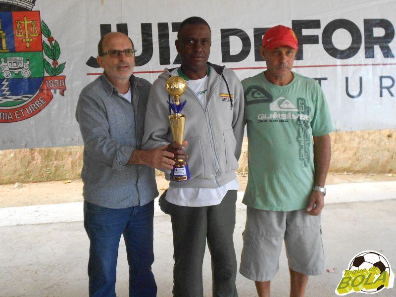 Membro do Palestino Master recebe prêmio de equipe mais disciplinada da competição
