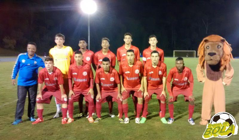Equipe do Tupynambás, com jogadores do projeto da UFJF, na rodada de abertura da Chave 5 da Taça BH Sub-17