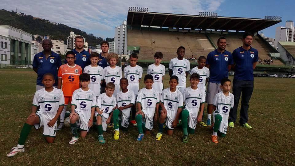 Equipe sub-11 do Sport, campeã da o torneio de base da Liga