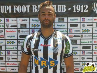 Tupi apresenta Júnior Paraíba, que já pode encarar ex-clube no domingo