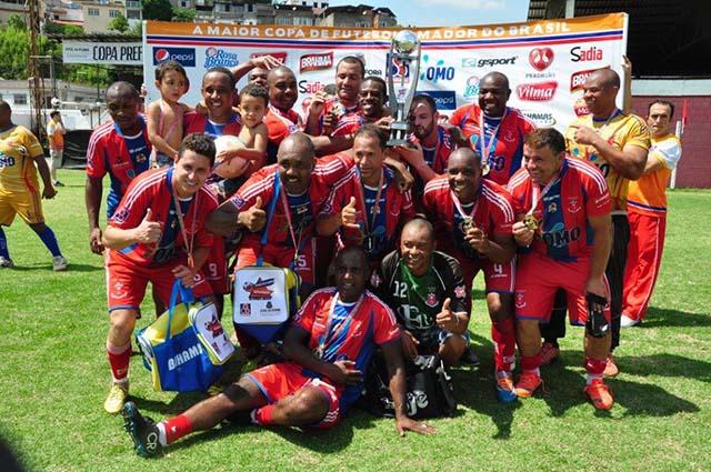 Flor da Esquina comemora quarto título entre os veteranos da Copa Prefeitura Bahamas de Futebol Amador -   outras conquistas ocorreram em 2010, 2007 e 2005