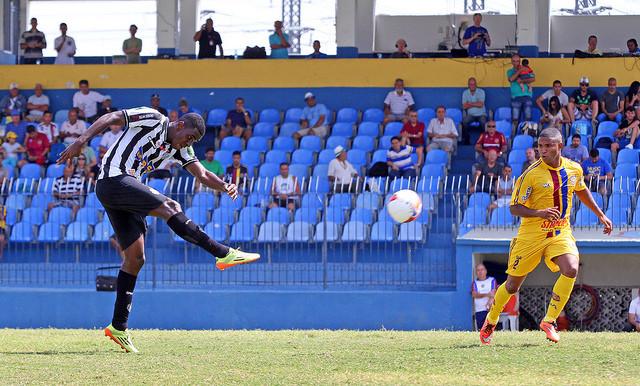 Felipe Alves ganhou espaço no clube após duas temporadas consistentes na Série C (Foto: Felipe Couri/tupifc.esp.br)