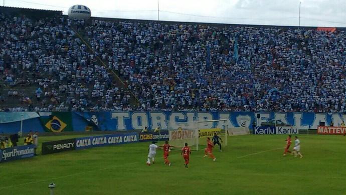 Estádio Do Café recebeu novamente grande público (Foto: Rodrigo Saviani)