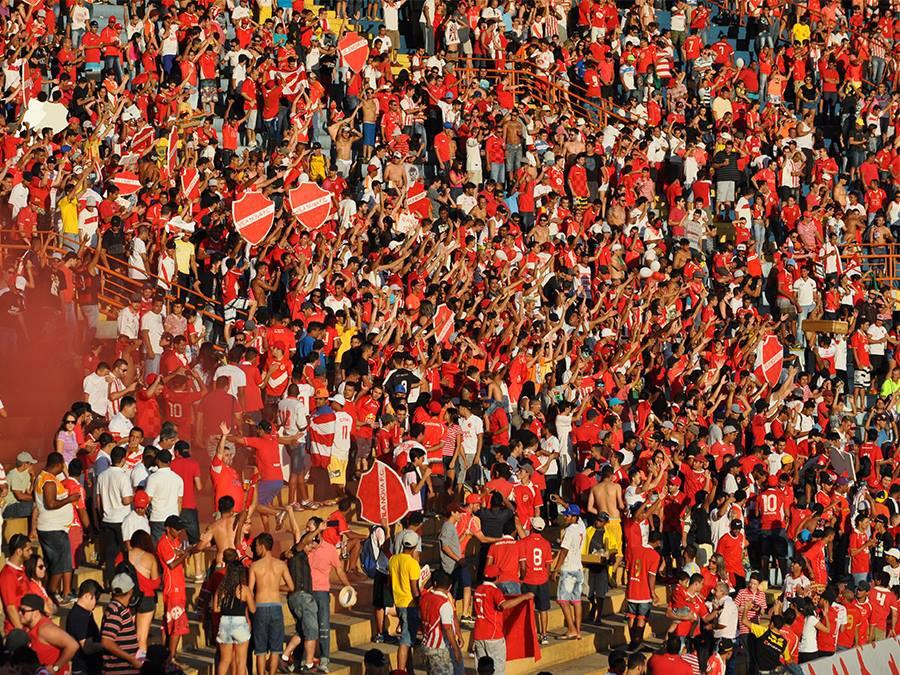 Torcedor do Vila lotou  Serra Dourada e foi recompensado com grande virada e o caneco (Foto: Divulgação/Vila Nova FC)