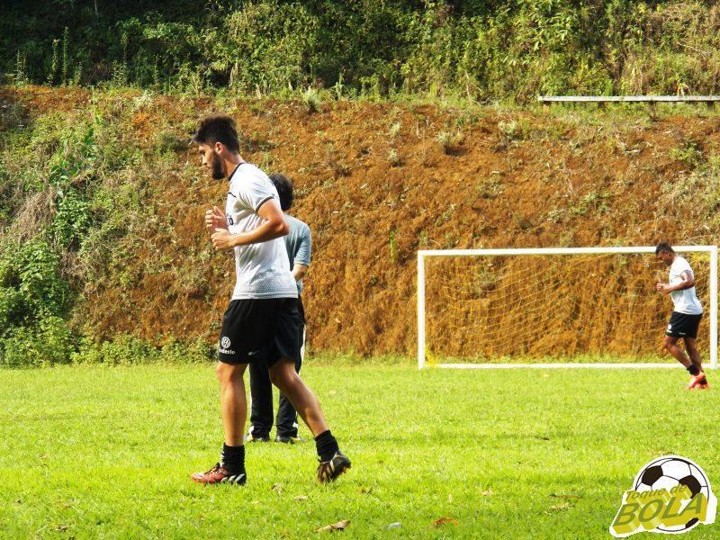 Miguel já atuou pelo Tupi em 2014 e pode defender novamente o clube