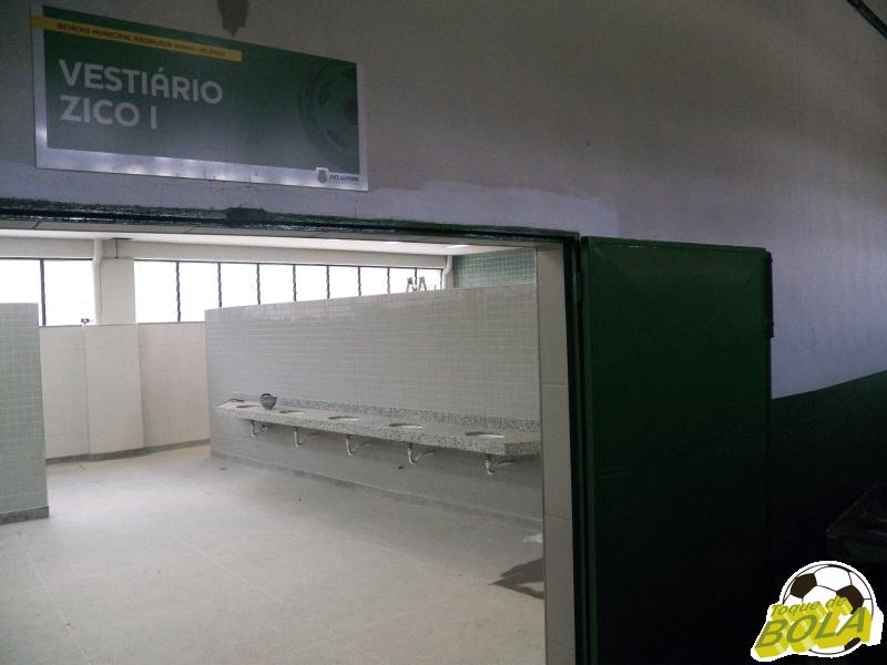 Vestiário Zico, que tradicionalmente recebe a equipe mandante, é o de estágio mais avançado nas obras