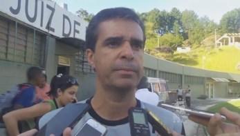 """Júnior Lopes minimiza possíveis ausências em estreia: """"Todos os clubes passam por isso"""". Veja vídeo"""