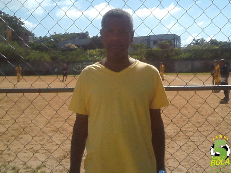 Júlio Maravilha foi prestigiar o futebol amador