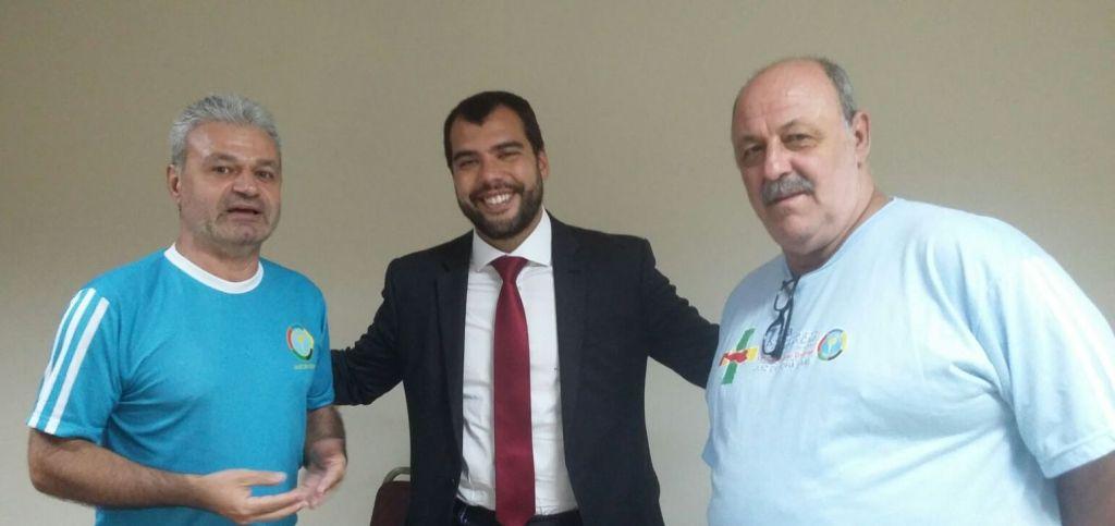 Marcelo Jucá, Presidente da Comissão de Direito Desportivo da OAB/RJ e Vice-presidente do TJD/RJ, entre os panathletas Adilson Mattos e Alfredo Coimbra