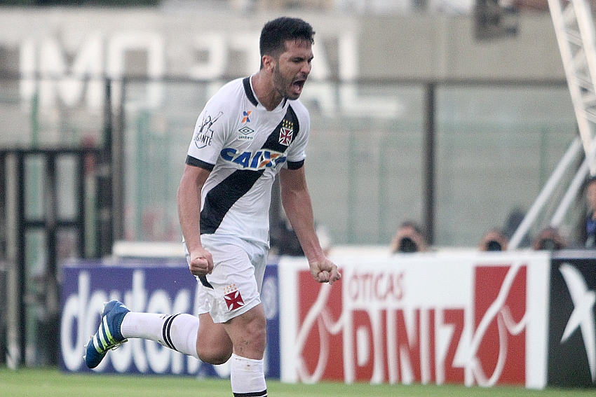 Luan comemora o gol que deu a vitória ao Vasco - Foto: Paulo Fernandes/Vasco.com.br