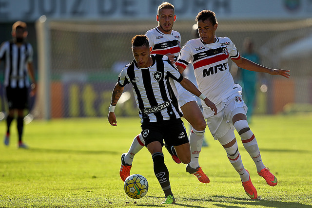 Neiton, junto com Camilo e Sassá, foi um dos destaques do jogo. (Foto: Divulgação BFR Oficial - Vítor Silva/SSPress/Botafogo)