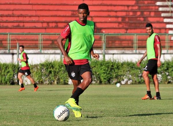 Sávio pode ganhar oportunidade com Ricardinho contra o Vila Nova
