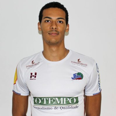 Matheusão estava com a seleção brasileira juvenil (Foto: Assessoria de Comunicação JF Vôlei)
