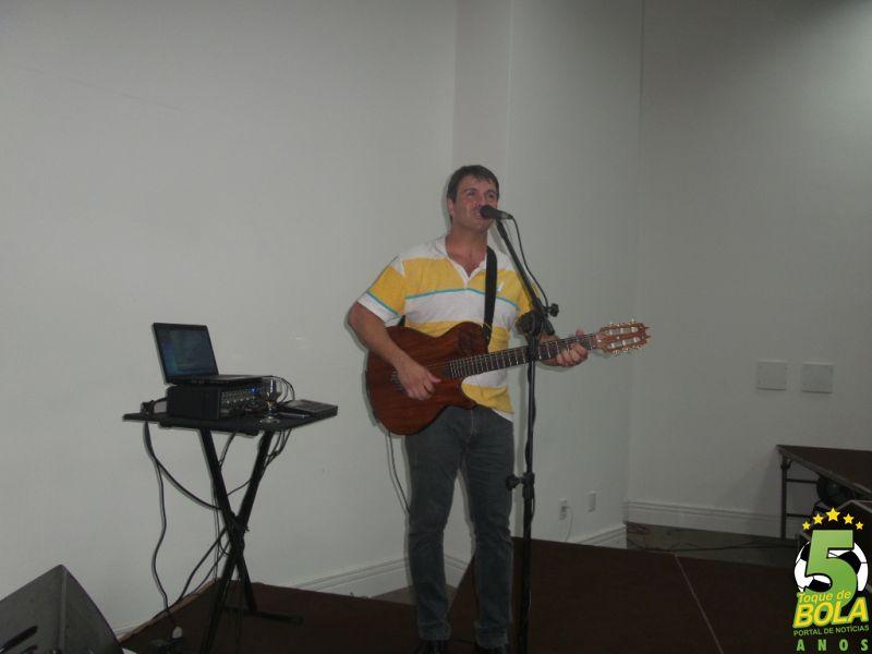 Anderson Dim garantiu o toque musical de qualidade ao evento