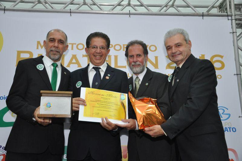Cláudio Esteves, Pedro de Souza e os panathletas juiz-foranos Basileu Tavares e Adilson Mattos