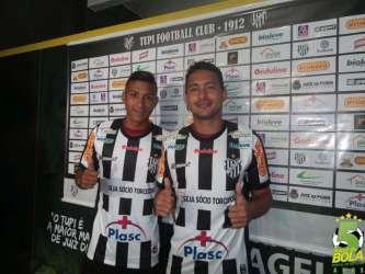 """Mais dois apresentados no Tupi: Carlos Júnior exalta Jajá e Ruan Teles já pensa em fazer gol no """"patrão"""""""