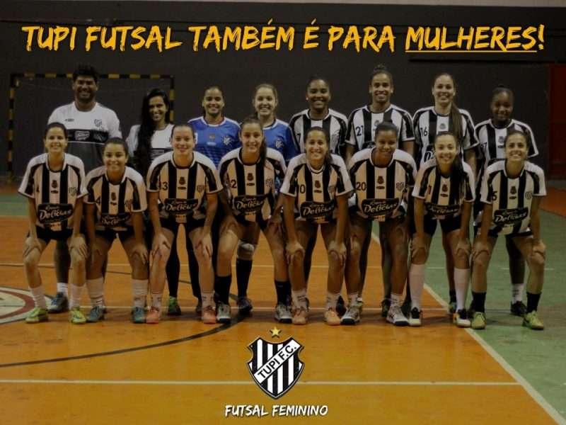 Futsal feminino do Tupi em ação no Baeta