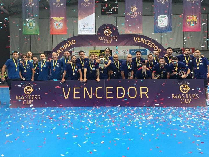 Leo Santana conquista seu primeiro título no Barça Futsal