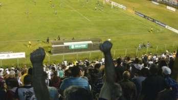Com arbitragem decisiva, Tupi faz 1 a 0 no Fortaleza e não avança para a Série B