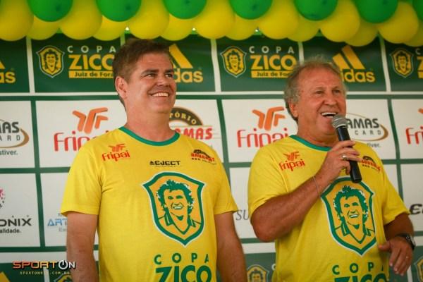 Léo Beire, Diretor do Centro de Futebol Zico, ao lado do Galinho de Quintino, já antecipa data do próximo evento na cidade