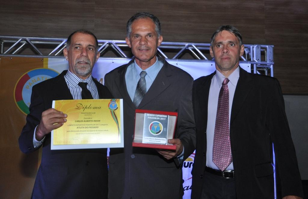 Cláudio Esteves, Betinho Inhan (Atleta do Passado) e Claudius Alexandre Grunewald Daldegan (Panathlon Club JF)