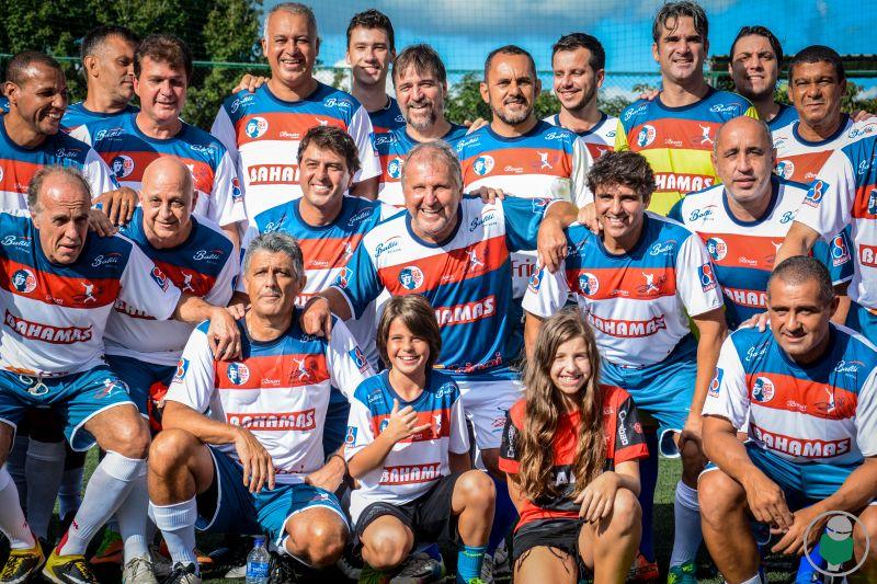 Ídolo emociona gerações nos 20 anos do Centro de Futebol Zico JF. Veja dezenas de fotos